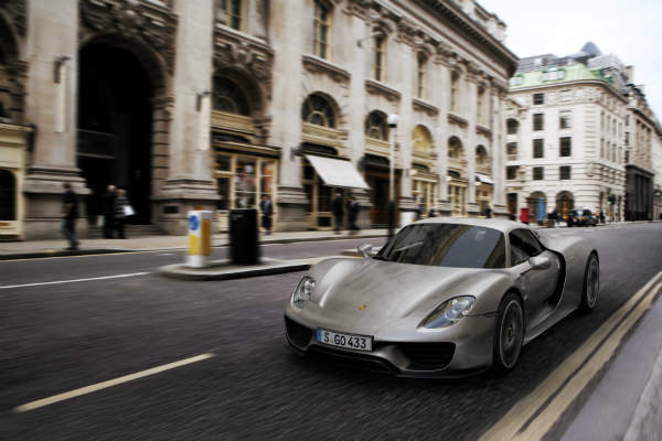 Porsche 918 Spyder in London